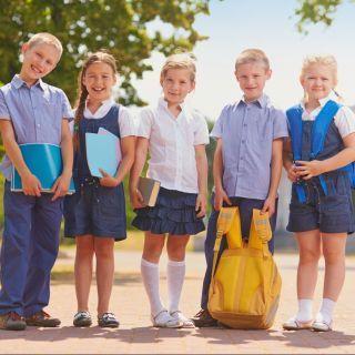 come-vestire-i-bambini-inizio-scuola